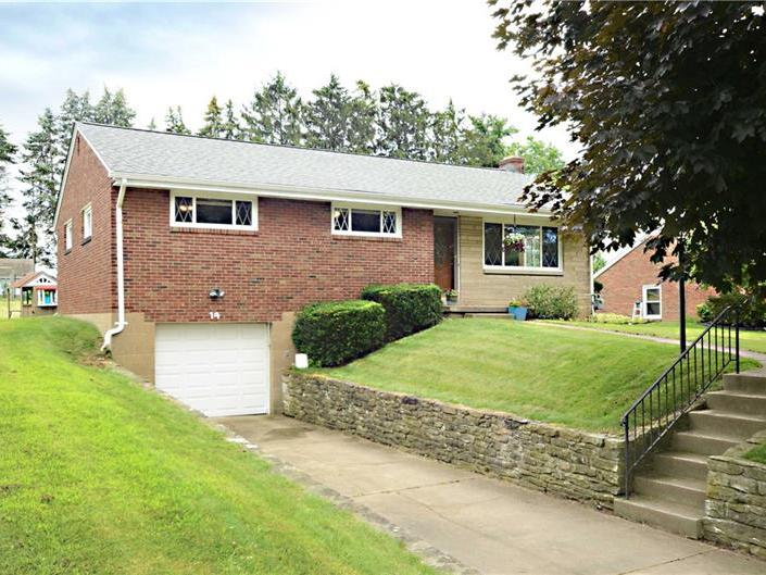 14 Oxford Drive, Robinson Twp