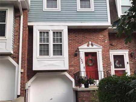 133 Spruce Ct, Ross Twp