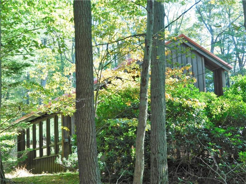 2075 Rocky Ridge Road, Bullskin Twp.
