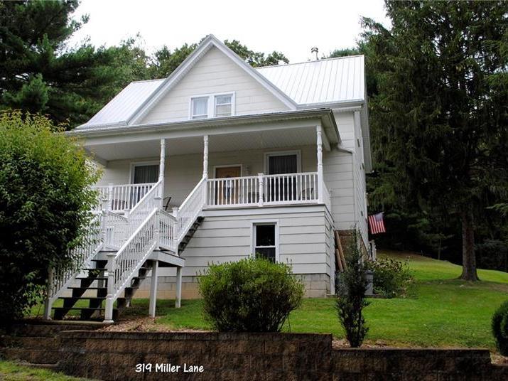 319 Miller Lane, East Huntington