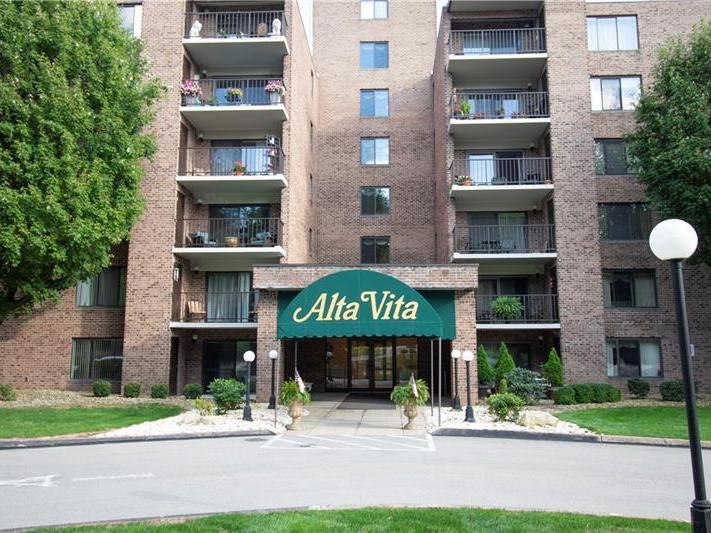 3 Alta Vita Drive, 108, Hempfield Twp