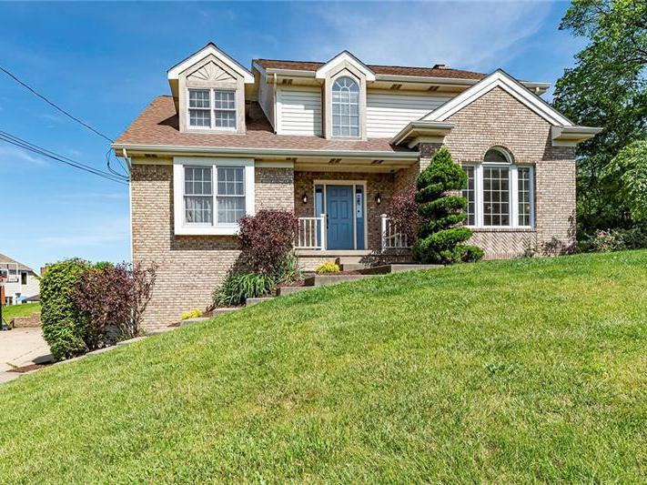 130 Moffett Run Road, Center Twp