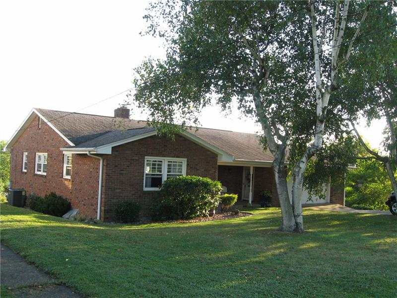 910 Crestview Drive, Ellwood City