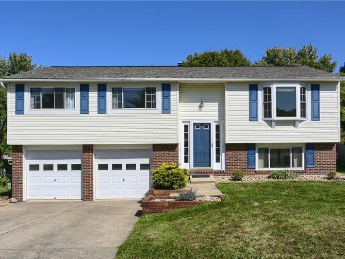 903 Fox Run Circle, Cranberry Twp