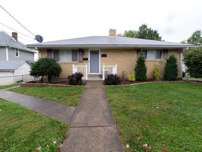 906 Chestnut Street, Connellsville
