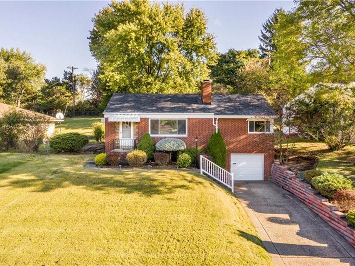 4811 Rolling Hills Rd, Whitehall