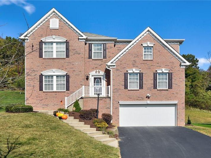 8021 Maureen Dr, Cranberry Twp