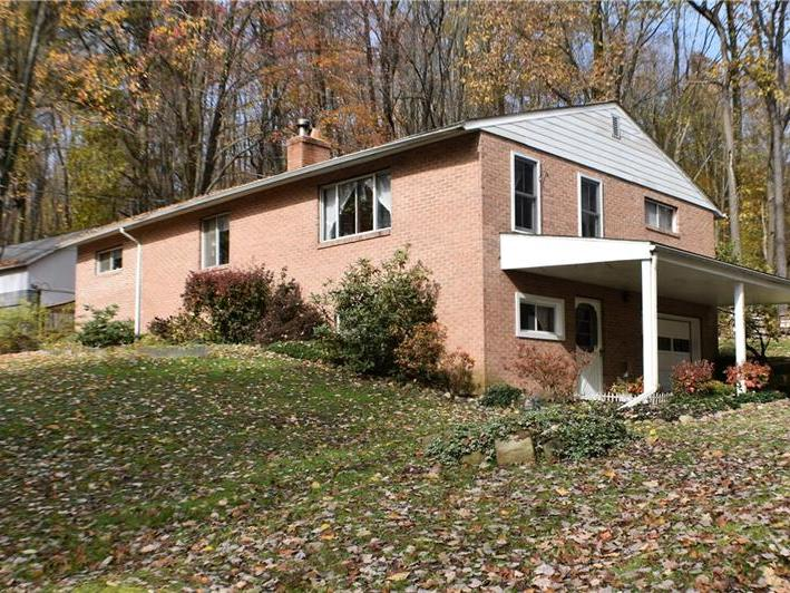 1387 Brush Ln, Washington Twp