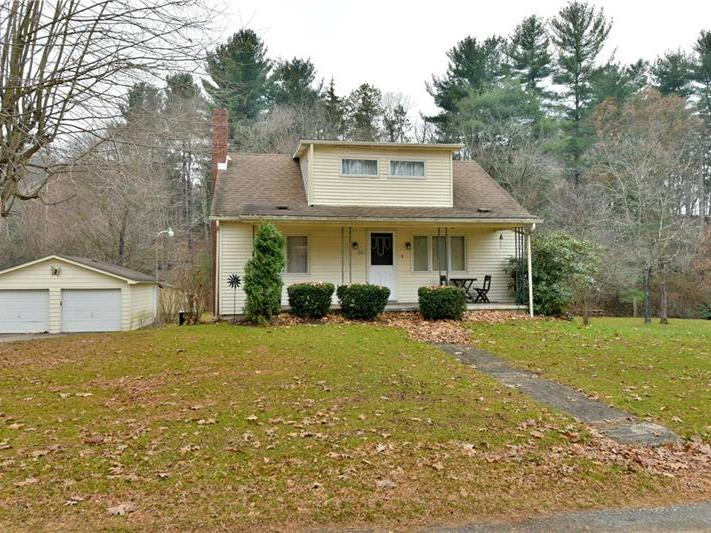 261 Hickory Road, Somerset Twp