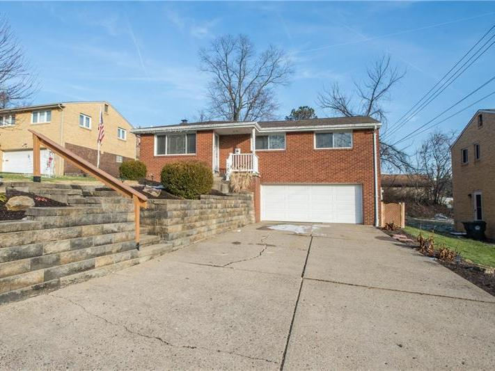 5091 Earlsdale Drive, Whitehall