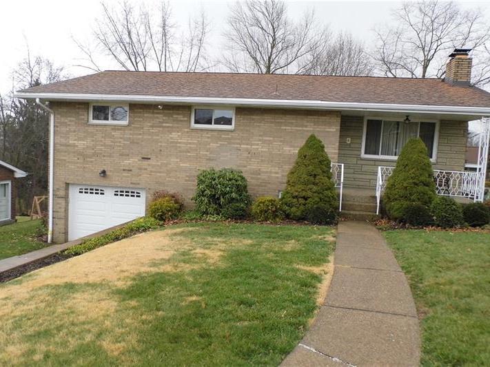 414 Amherst Avenue, Moon-Crescent Twp