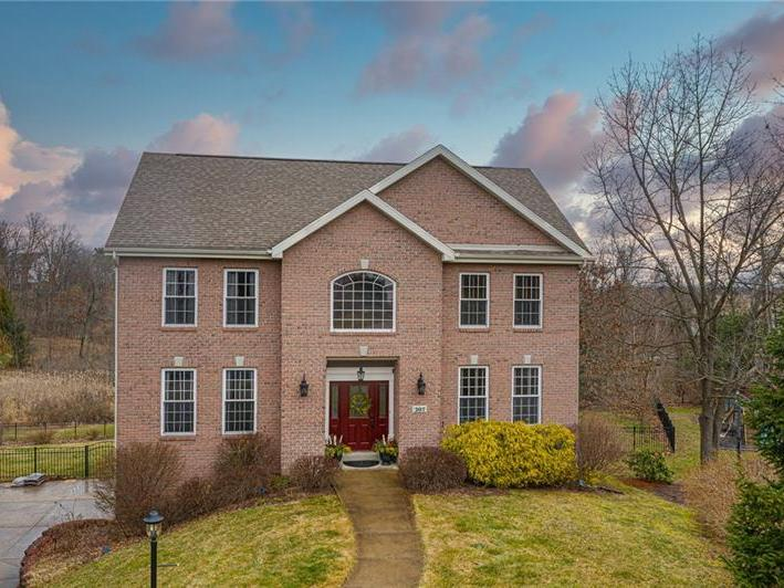 207 Thornberry Court, Marshall Twp