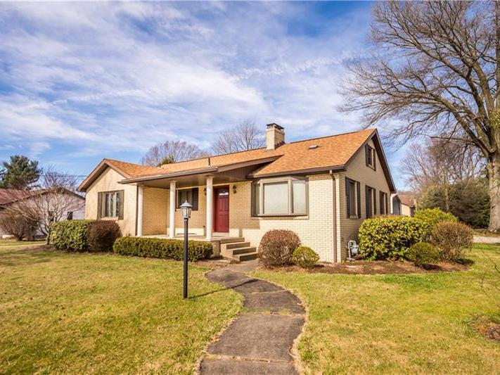 250 W Mcmurray Road, Peters Twp
