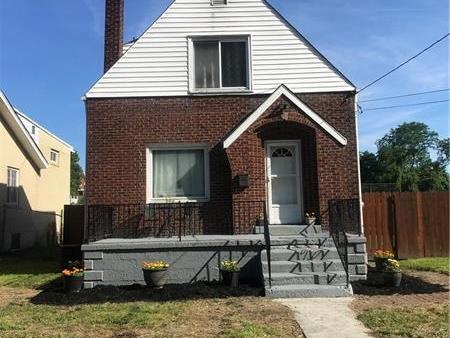 436 Farnsworth Ave, Clairton