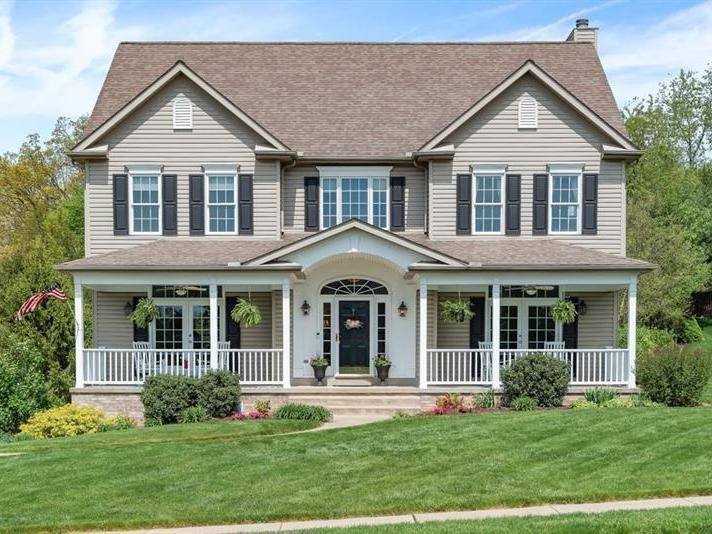209 Erin Dr, Cranberry Twp