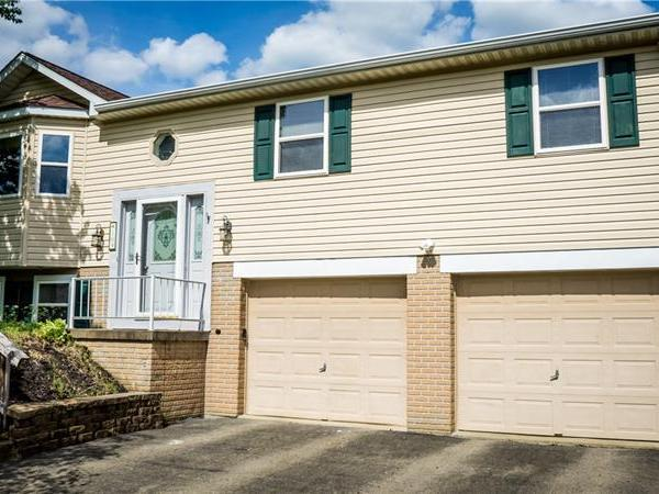 109 Brooksedge Dr, Center Twp