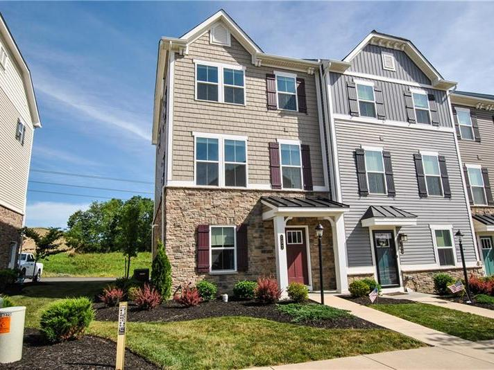 157 Bucktail Dr, Cranberry Twp