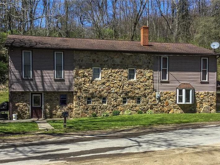 2092 Garretts Run Rd, Burrell Twp