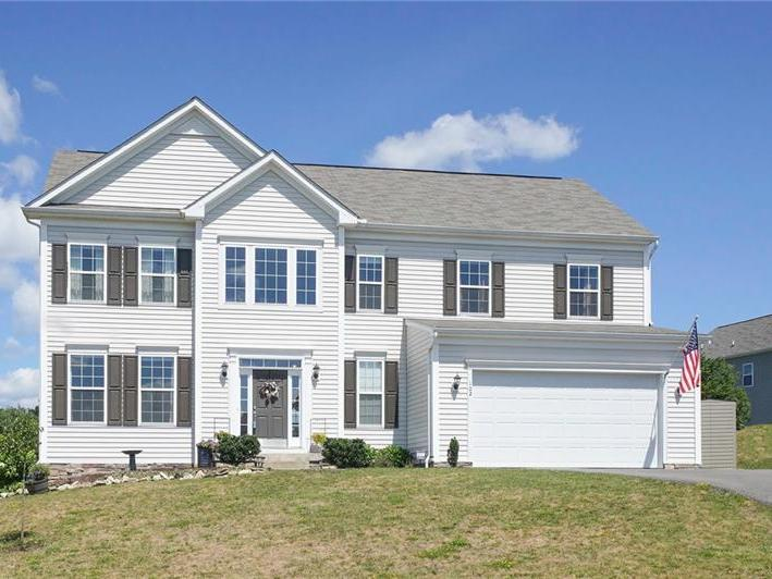 102 Hollyberry Circle, North Fayette