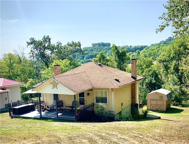 212 Briar Hill Rd, East Franklin Twp