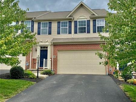 290 Maple Ridge Dr, Cecil Twp