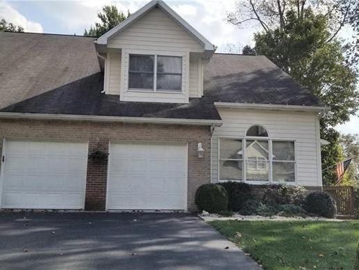 107 Point View Ct, Hempfield Twp