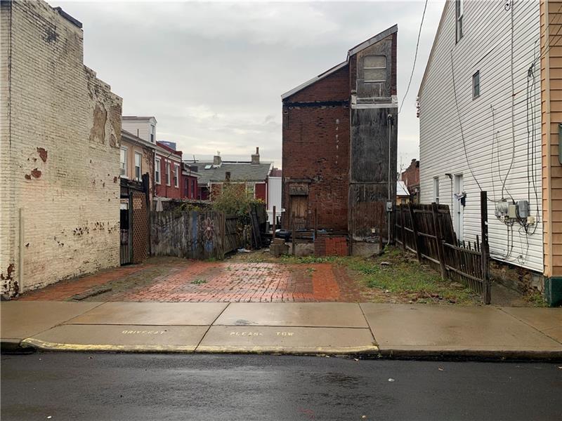 1105 Freyburg Street, South Side