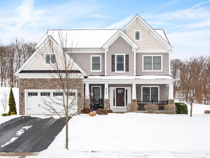 233 Strawberry Circle, Cranberry Twp
