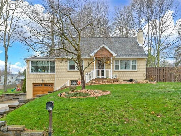 407 Home Dr, Level Green