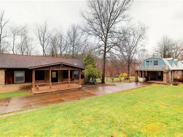 207 Whitetail Dr, St. Clair Twp