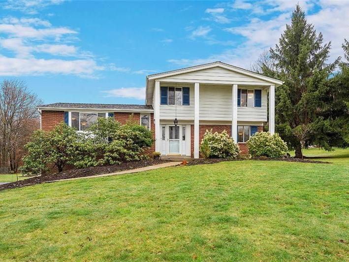 809 W Old Route 422, Franklin Twp