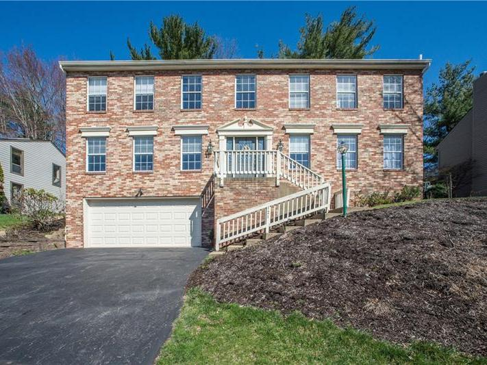 121 Valley Forge Dr, Cranberry Twp
