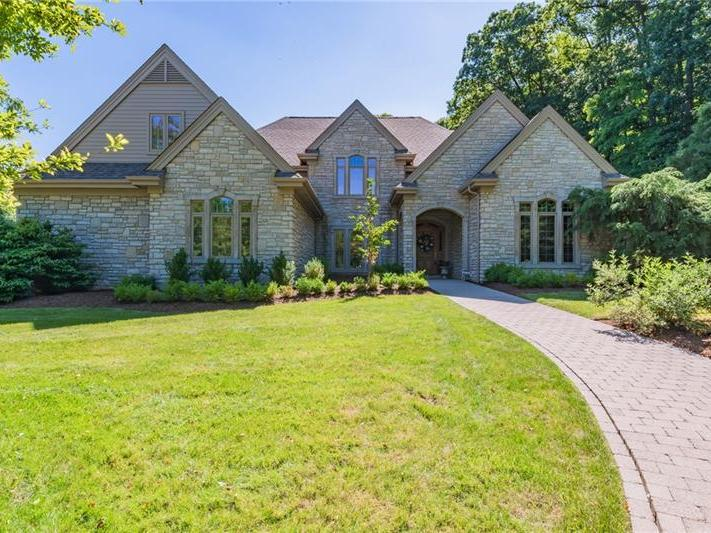 1401 Dellview Drive, Unity Twp