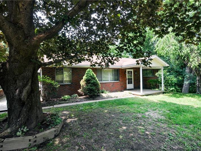625 Chicora Rd, Oakland Twp