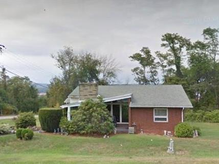 1843 James, Monroeville