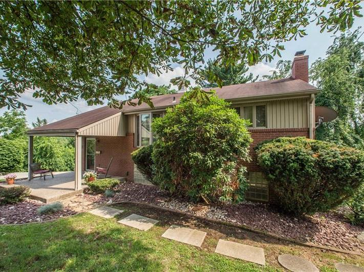 2121 Moredale St, Overbrook