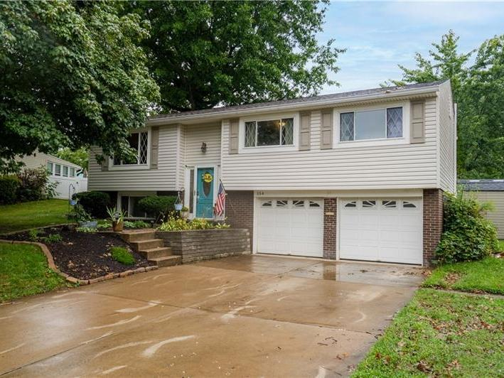 154 Firwood Drive, South Fayette