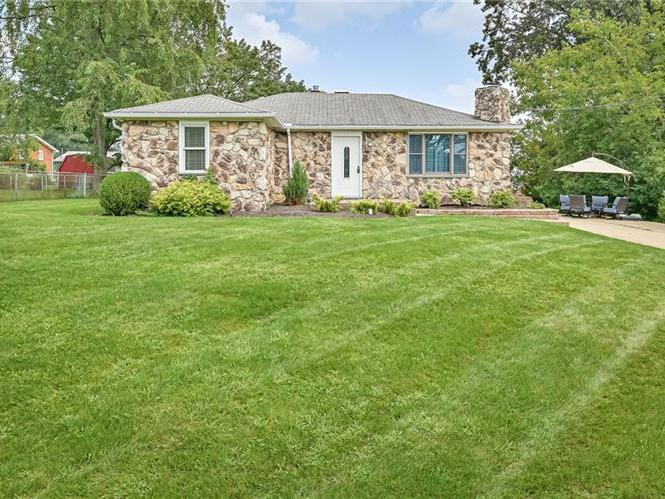 302 Bayberry Dr, Ross Twp