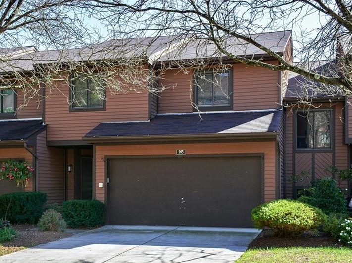 205 Forest Edge Court, McCandless